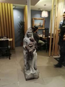 Une belle statue à l'entrée