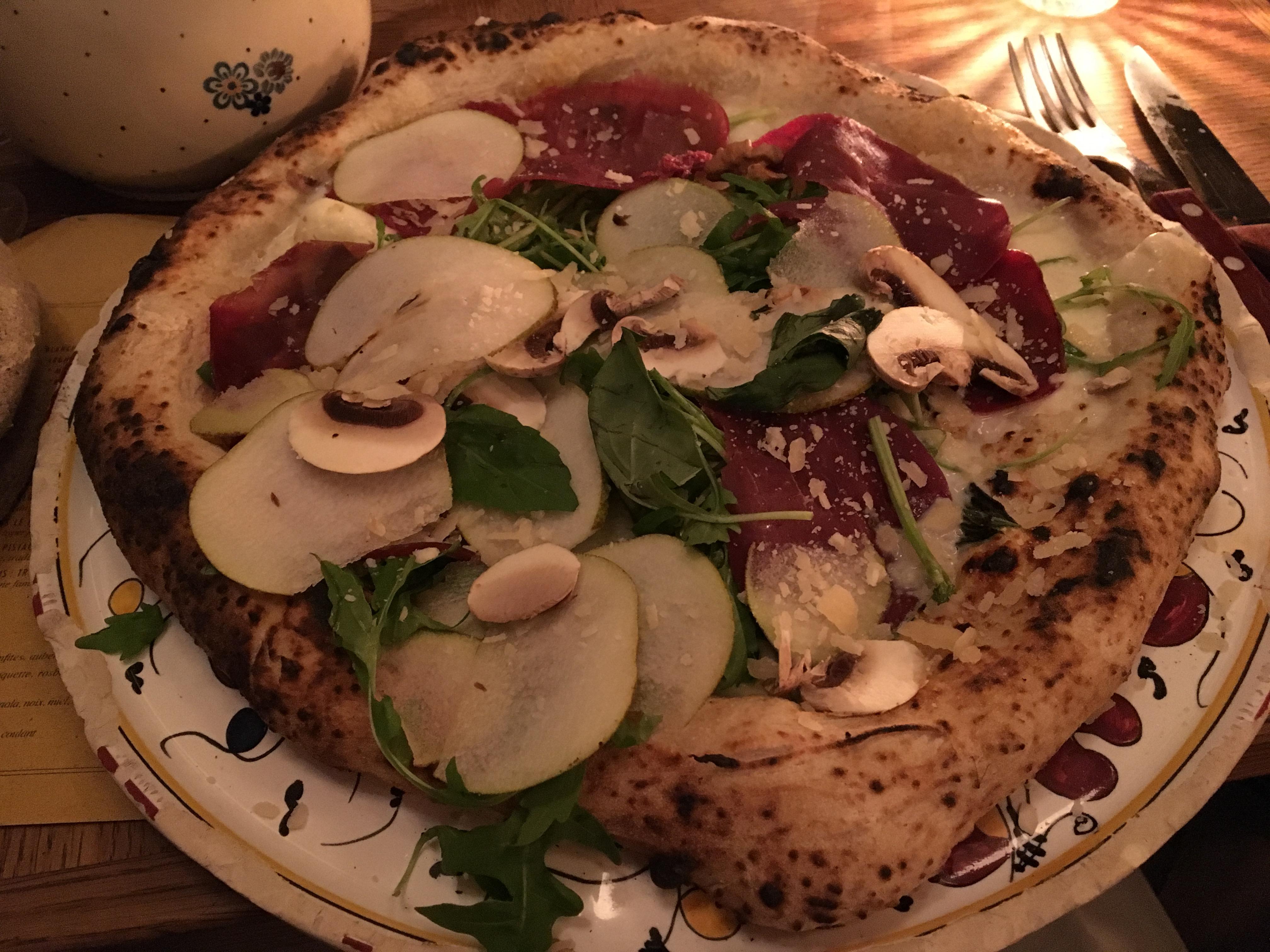 La pizza Regina Bresaola